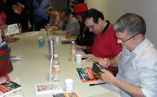 """Edgar Franco, Lucio Luiz e Henrique Magalhães durante o lançamento do livro """"Os quadrinhos na era digital"""" (foto: Danielle Barros Fortuna)"""